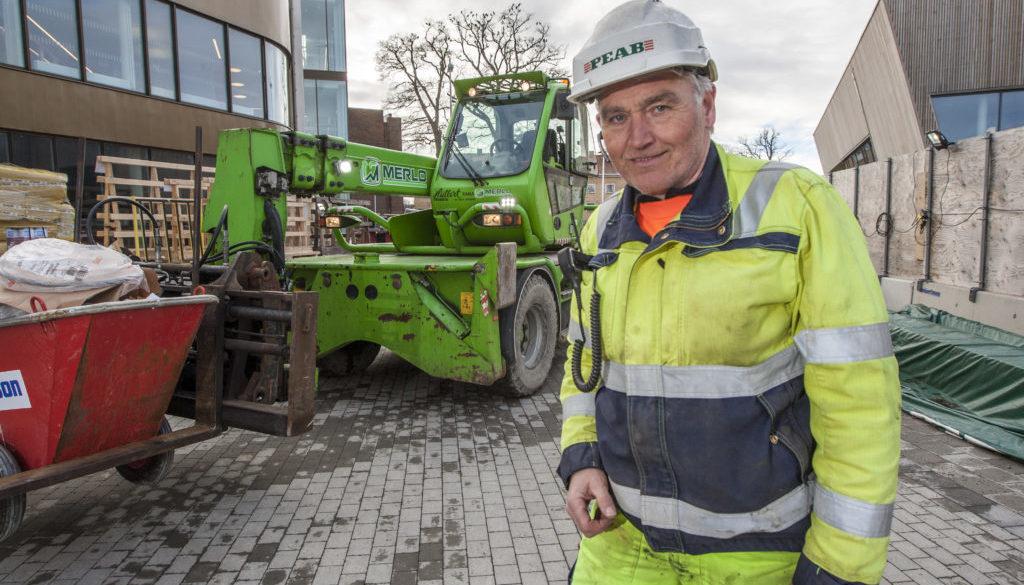 Lars-Erik har haft teleskoplastare i 30 år. Nu vill han byta till senaste modell, ett investeringsbeslut kan komma senare i år.