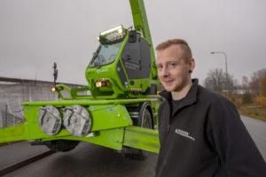 Jimmy Vesterberg kör runt Nykvarn och Södertälje men även längre bort vid behov. Rotomaskinen ingår i maskinparken hos Stefans Krantransporter AB.